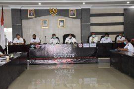 Gugus tugas COVID-19 Sibolga bagikan bantuan tahap pertama 10 hari puasa