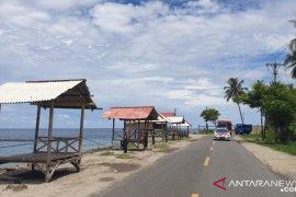 Dirlantas Polda Gorontalo kawal distribusi bahan pokok desa pesisir Bone Bolango