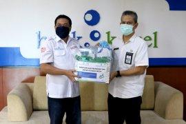 Bank Kalsel salurkan APD untuk rumah sakit rujukan