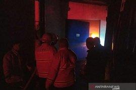 Pabrik boneka di Cianjur terbakar