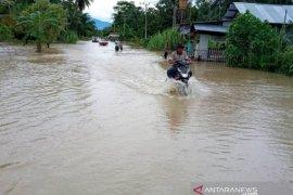 Hujan lebat sebabkan banjir dan longsor di Nagan Raya