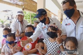 PWI Bali bagi-bagi 1.000 masker di Pelabuhan Buleleng