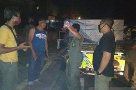 Satpol PP Denpasar tertibkan jam buka pedagang saat situasi COVID-19