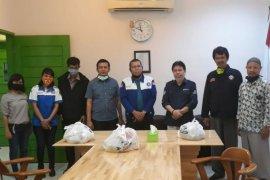 BPJAMSOSTEK Pematangsiantar bagi paket sembako kepada pekerja di Hari Buruh