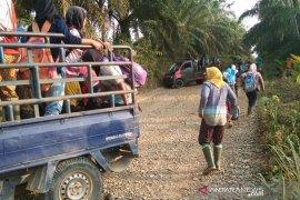 Buruh perkebunan sawit di Bengkulu kekurangan masker dan tuntut THR