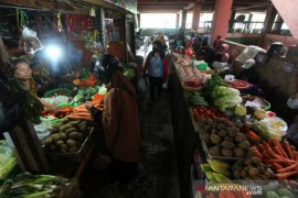 Health protocol compliance in Banjarmasin market area reaches 90 percent