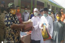 Wagub Papua serahkan bantuan ke panti asuhan, atasi dampak COVID-19