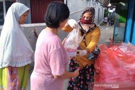 FRKB Bagikan 1.000 Lebih Takjil dan Nasi Bungkus