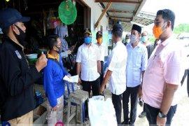 Wabup Tanjabtim pantau pendistribusian bantuan jaring pengaman sosial di Kuala Jambi