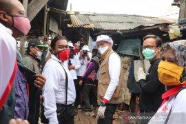 Relawan Jokowi-Sandiaga bersatu aksi peduli lawan COVID-19