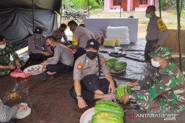 TNI-Polri Bangka Barat dirikan dapur umum di Tempilang