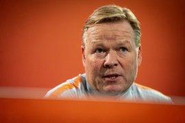 Pelatih Belanda Ronald Koeman dilarikan ke rumah sakit karena jantung