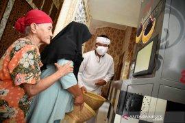 DKM Tajug Gede Cilodong Purwakarta buka layanan sosial ATM beras untuk warga