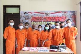 Polda tangkap pengedar ratusan ekstasi di Denpasar