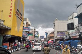Masyarakat padati pusat perbelanjaan di Sukabumi, jelang PSBB