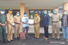 Bupati Belitung lepas kepulangan pasien sembuh COVID-19