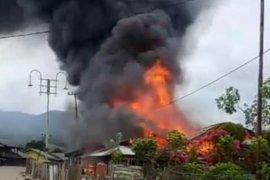 Kebakaran hanguskan lima rumah di Bener Meriah