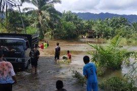 Banjir setengah meter rendam tiga desa di Aceh Selatan