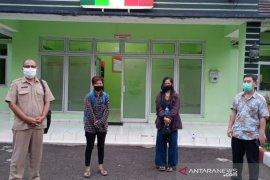 Di PHK dan diusir dari kontrakan, dua perempuan asal Palembang ini terlantar di Tangerang