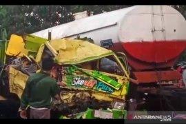 Dua tewas dan sembilan luka, tabrakan beruntun di Pantura Probolinggo