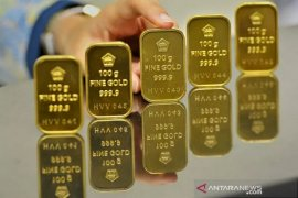 Harga emas Antam terus menguat