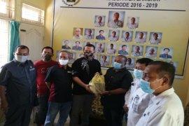 Bupati serahkan  paket Ramadhan ke PWI Langkat