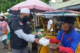 ACT-MRI Maluku bagikan takjil gratis Ramadhan saat pandemi COVID -19