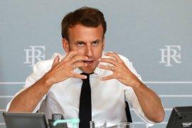 Presiden Prancis Macron umumkan jam malam