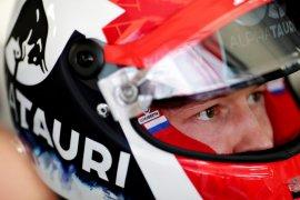 Kyvat kepikiran pensiun sebelum pengalaman emosional di Ferrari