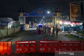 Foto - Penerapan PSBB, perbatasan Bone Bolango-Kota Gorontalo ditutup