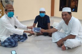 Gustu Ternate Utara salurkan masker ke jamaah masjid