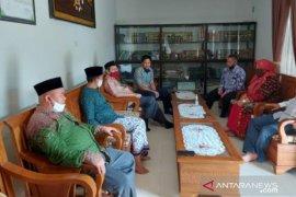 Pimpinan UBB kunjungi Ketua Muhammadiyah Babel