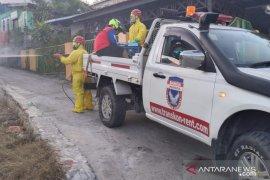 Relawan Banda Indonesia dapat bantuan 5.000 liter disinfektan