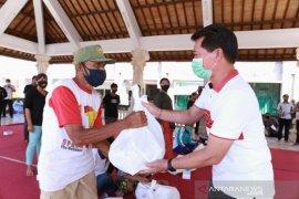 Masyarakat  terdampak COVID-19 Klungkung terima bantuan Kementerian PUPR