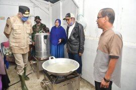Plt Gubernur Tinjau Posko Banjir di Aceh Besar
