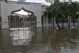 Ruang isolasi pasien COVID-19 di Aceh terendam banjir