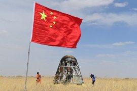 Chang'e-5 mendarat di bulan, mulai kumpulkan 2 kilogram sampel