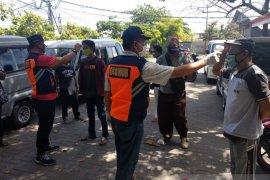 Dishub Denpasar cek suhu tubuh pengemudi di terminal dan Pelabuhan Benoa