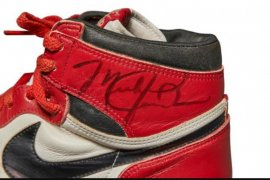 """Sepatu """"megabintang NBA"""" Michael Jordan  laku dilelang Rp8,2 miliar"""