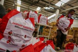 Bantuan sembako Presiden disalurkan di Ambon 11 Mei