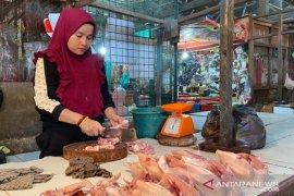 Harga ayam potong terus naik di Palembang