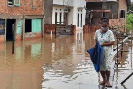 Fasha instruksikan Dinkes pantau kesehatan warga di lokasi banjir
