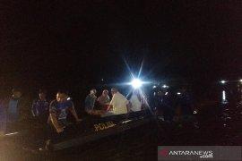 Satu keluarga di Aceh Besar terjebak banjir