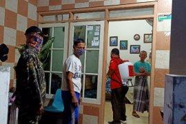 Perkampungan sekitar  Pabrik Sampoerna Surabaya disemprot disinfektan