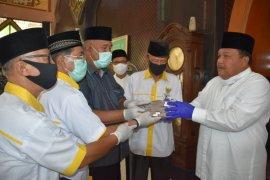 Wali Kota Sibolga serahkan zakat harta keluarga ke Baznas