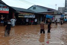 Banjir rendam sejumlah lokasi di Kota Sukabumi akibat hujan deras