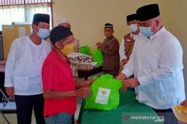 Baznas Bagikan Paket Sembako Bantu Masyarakat Terdampak COVID-19