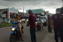 Komunitas Memanah Aceh bagi ratusan makanan berbuka puasa