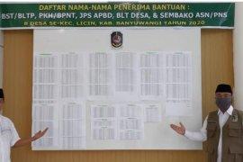 Demi transparansi, kantor kecamatan di Banyuwangi tampilkan data penerima bansos