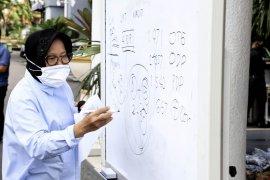 Risma sebut ada 16 klaster penularan COVID-19 di Surabaya